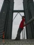Bersandar di Menara Petronas